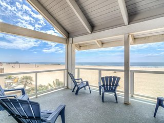 *SELECT WEEKS DISCOUNTED* Newport Beach OCEANFRONT HOME on the Balboa Peninsula