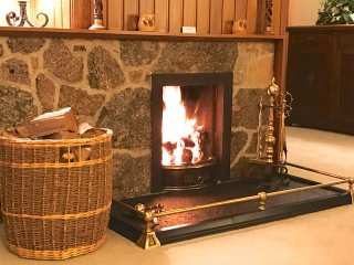 ... satellite TV, BlueRay Player, DVDs, Free WiFi. Real log fire + much more...