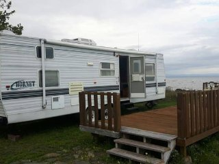Cozy 31 foot camper - Oceanfront lot