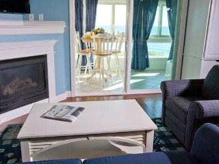 Beautiful Cape Cod Condo by the Beach!