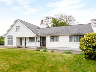 GARRYRICHARD, sleeps seven, family home, New Ross, Ref 960281