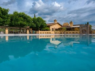 Luxury Villa with Staff near Florence  - Villa Maia - Full Staff
