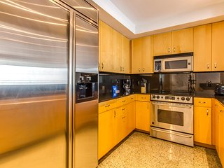 Brickell   Two-Bedroom Luxury Suite City View, Perfect for Business or Pleasure