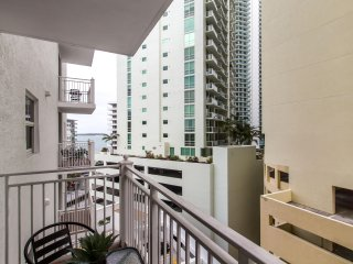 Brickell   One-Bedroom Luxe Suite City View   Sleeps 2