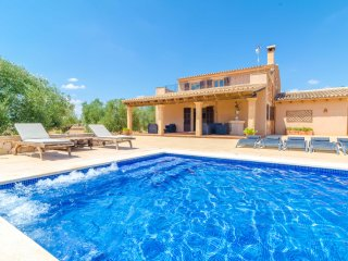 CAN COTONETA - Villa for 10 people in Campos