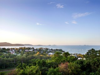 Oscar's View - Unlimited WiFI - Airlie Beach Central