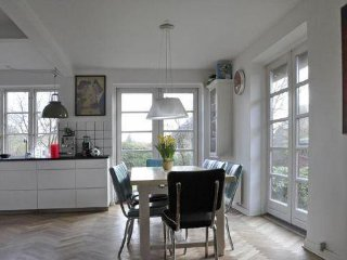 Nice Copenhagen house with garden near Valby park