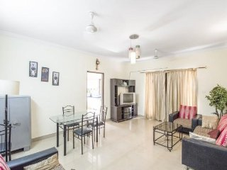 Well-appointed 2-BR stay, 1.4 km from Calangute Beach