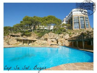 Precioso apartamento para 5 en Cap Sa Sal con vistas al mar