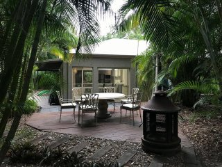 Butterfly's Hideaway Cottage - Glasshouse Mountains