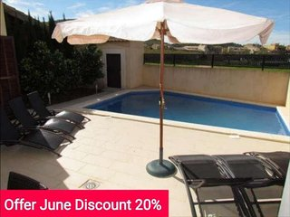 Last minute Offer 20% June 2017. Single family home with swimming pool en Son