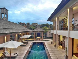 4 Bedroom Jimbaran Luxe Pool Villa Teana, Walk to GWK, Great Staff Service