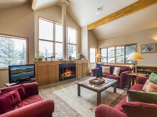 Cool Ridge Town Home at Summerwood - Private hot tub with amazing mountain