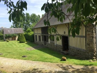 The Barn showing The Cider Press (a studio for 2)