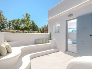 Seaside Naxos  • Villa Aetheria  •  4 BDR / 4.5 BATH • Sleeps 10 at Plaka Beach