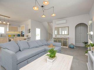 Seaside Naxos • Villa Aetheria • 4 BDR Villa with Private Pool at Plaka Beach