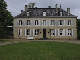Château des Lambeys - House with a porch and swimming pool in the middle of a beautiful 3-hectare