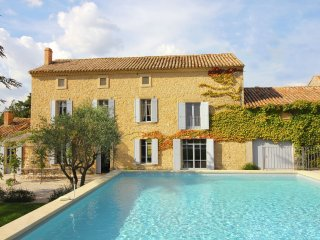 le Mas Pausadou - Recently renovated luxury Farmhouse with private pool, located at the foot of Mont Ventoux