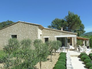 La Source - Provencal villa with heated private swimming pool in Natural Park