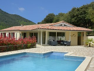 Le Priou - Detached villa with indoor pool and guest house in beautiful