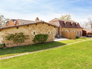 Gapard  - Semi-detached home on a romantic, rustic property with private swimming pool.