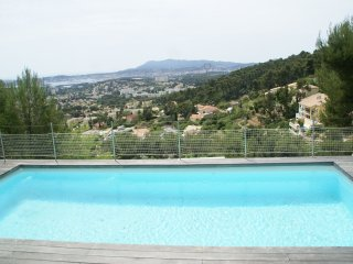Villa - Toulon - Detached villa with private pool and stunning panoramic view.