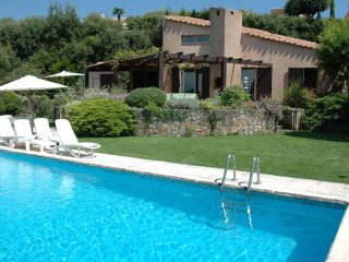 L'Arc - Villa with private pool and stunning views, 10 km from the
