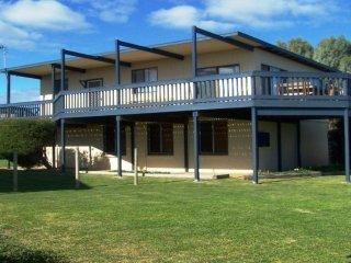 Sandy Feet - 31 Gold Coast Drive, Carrickalinga