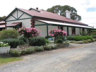Anne's Heritage Holiday House - 1231 Pages Flat Road