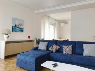 2BR apartment 'Fontainebleau', A/C, wifi and balcony