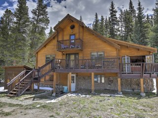 2BR +Loft Breckenridge Cabin w/Mtn Views & Hot Tub