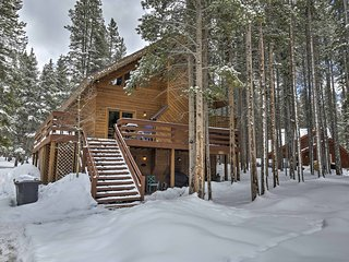 Updated 3BR Summit County Cabin w/Private Hot Tub!