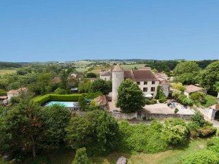 Chateau de Sadillac, private golf, pool and sauna