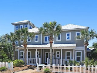 'PALM HOPPER' OPEN 4/7-14 ONLY $3995! CLOSE TO BEACH & POOL!  UPDATED DECOR!