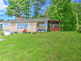 Charming 3BR Mayfield Home w/Private Dock, Screened Porch & Wifi - Just Across