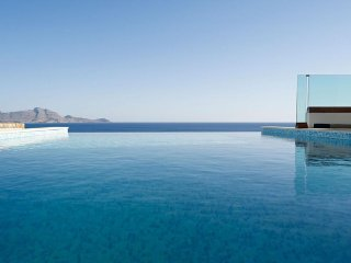 Luxury Villa Verna with private Infinity Pool