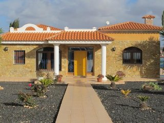 Case de Leon.. Peaceful rustic rural villa