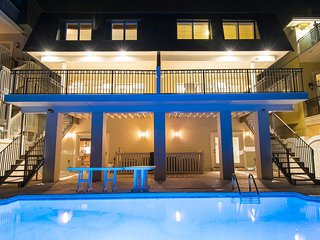Stunning Beachfront Home in Destin! Private Balcony and Pool!
