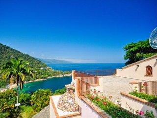 Villa Estate overlooking the Pacific Ocean
