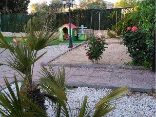 Bonita casa con parcela a 800 mts del río Alberche cerca de Madrid y Toledo