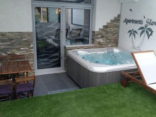 New and Luxury apartment Slavica- with Jacuzzi Spa