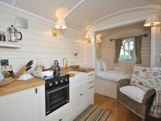 44235 Log Cabin in Abergavenny