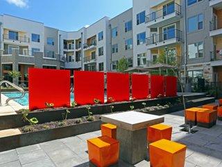 East Austin 2/2 Luxury Apartment! Steps to Downtown! 3ES2KKK