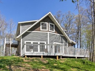 Crosslake Home on Pine Lake w/ Deck & Fire Pit!