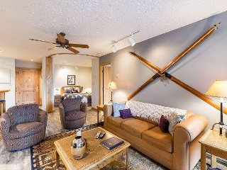 Well Appointed, 3BD 3BA Trappers Crossing, exceptional location, pool and gym