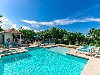 1BR Port Aransas Condo Pool, Hot Tub & Steps to the Beach