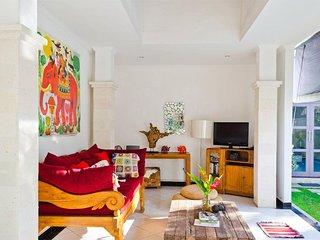 2BR Traveler Villa in Seminyak GREAT DEALS!