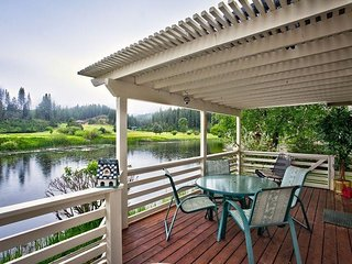#70 Ponderosa Beautiful Town Home on the pond (1 PET ALLOWED)- $240.00-$275