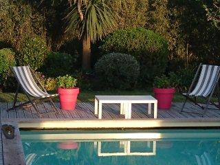B & B du Tenny. Piscine, jardin, velo, plage a 5 mn, tres calme