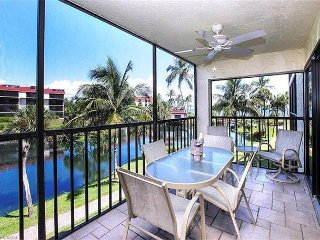 Pointe Santo B23: Bright, Vibrant Beachside Oasis Great Gulf Views & Location